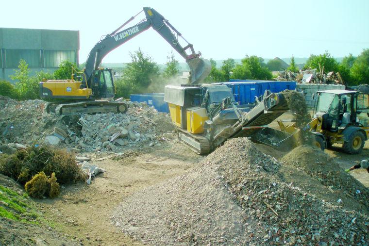 Abbrucharbeiten durchgeführt durch das Baugeschäft W. Semtner GmbH