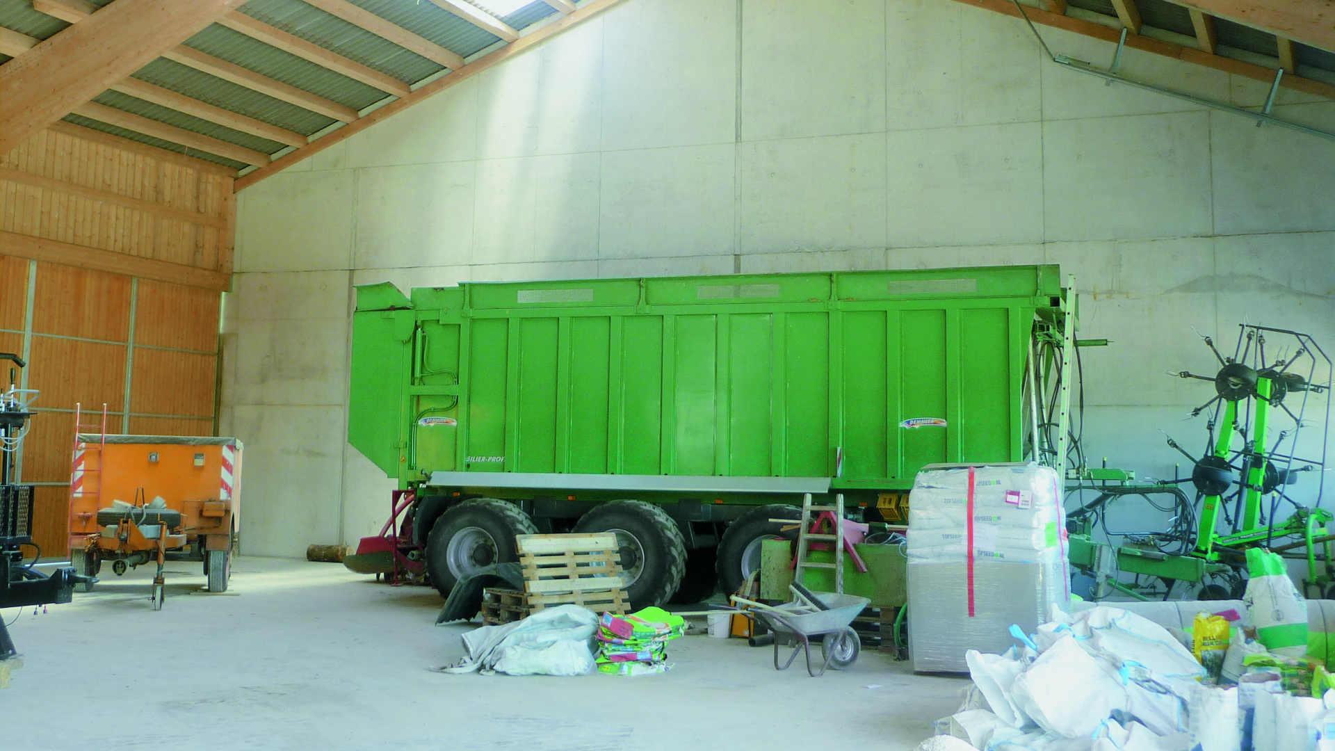 Gewerbe u. Industriebau erbaut durch das Baugeschäft W. Semtner GmbH in Mauerstetten bei Kaufbeuren