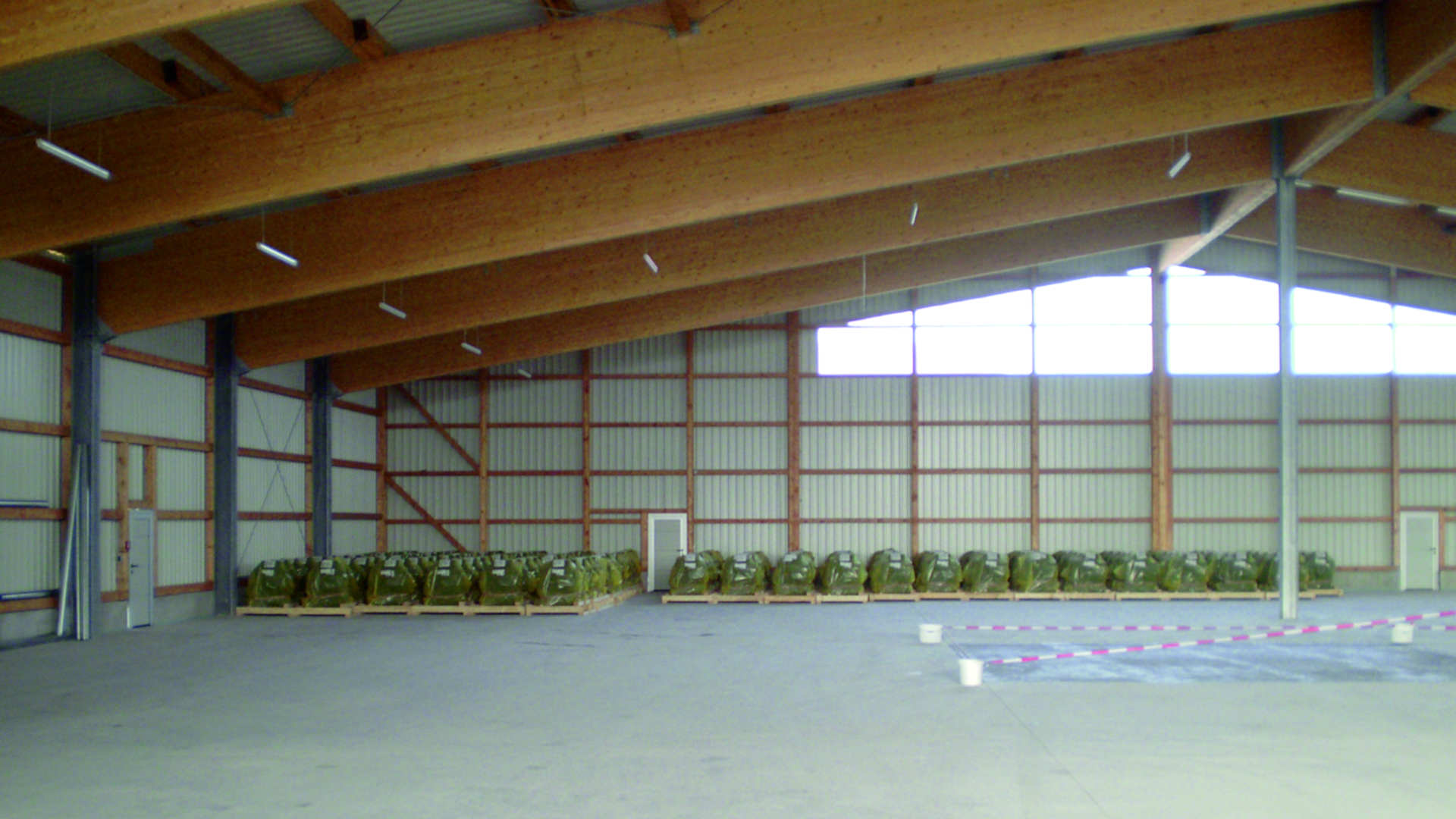 Gewerbehalle erbaut durch das Baugeschäft W. Semtner GmbH in Mauerstetten bei Kaufbeuren