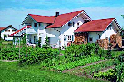 Individuelles Einfamilienhaus erbaut durch das Baugeschäft W. Semtner GmbH in Mauerstetten bei Kaufbeuren